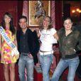 Anne-Laure Sibon et les membres de  Salut Joe  à Paris, le 18 décembre 2006.