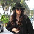 Khloe Kardashian arrive avec ses soeurs à Miami. Le 15 septembre 2012.