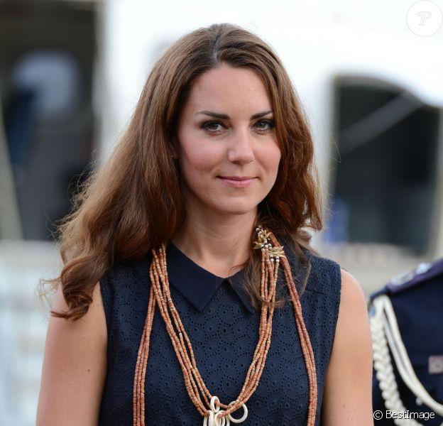 Kate Middleton lors de leur arrivée sur l'île de Marau dans l'archipel des Iles Salomon le 17 septembre 2012
