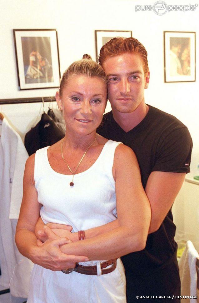 Sheila et son fils Ludovic Chancel à Ramatuelle, le 12 août 1999.