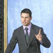 Tom Cruise fait profil bas dans les médias mais s'impose pour sa fille Suri