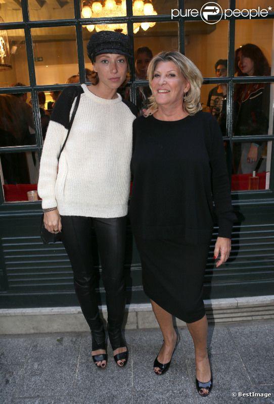 EXCLU : Laura Smet et Anna Carlota lors de l'ouverture du nouvel institut de beauté Miss Carlota dans le quartier Saint-Germain des prés à Paris le 24 Septembre 2012.