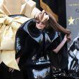 Lady Gaga, habillée d'un ensemble haute couture Iris Van Herpen, arrive au Macy's à New York pour lancer son parfum, Fame. Le 14 septembre 2012.