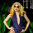 Lady Gaga, habillée d'un body incrusté de cristaux Swarovski signé Armani Privé et de bottes Keko Hainswheeler pendant un concert à l'International Arena de Cardiff. Mars 2010.