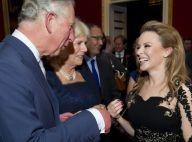 Kylie Minogue, somptueuse, fait danser le prince Charles au palais St James