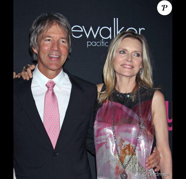 """Michelle Pfeiffer et David E. Kelley à la 8eme soirée annuelle au profit du """"Cedars-Sinai Women's Cancer Program"""" à Santa Monica, le 27 Octobre 2012"""