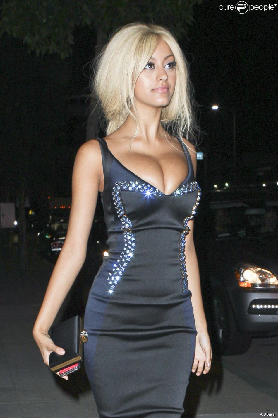 966729-french-lingerie-designer-zahia-de