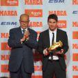 Lionel Messi, son Soulier d'or et Luis Suarez le 29 octobre 2012 à Barcelone