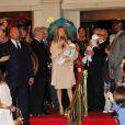 Céline Dion entourée de son mari René Angelil et de ses enfants René-Charles, Nelson et Eddy, est de retour à Las Vegas le 16 février 2011.