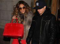 Jennifer Lopez et Casper Smart bravent le froid et se réchauffent sur scène