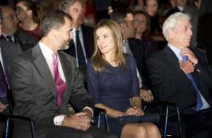 Letizia et Felipe d'Espagne, couple d'une classe folle pour fêter Vargas Llosa