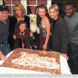 Le casting de  7 à la maison  fêtait le 21 novembre 2000 le 100e épisode de la célèbre série.
