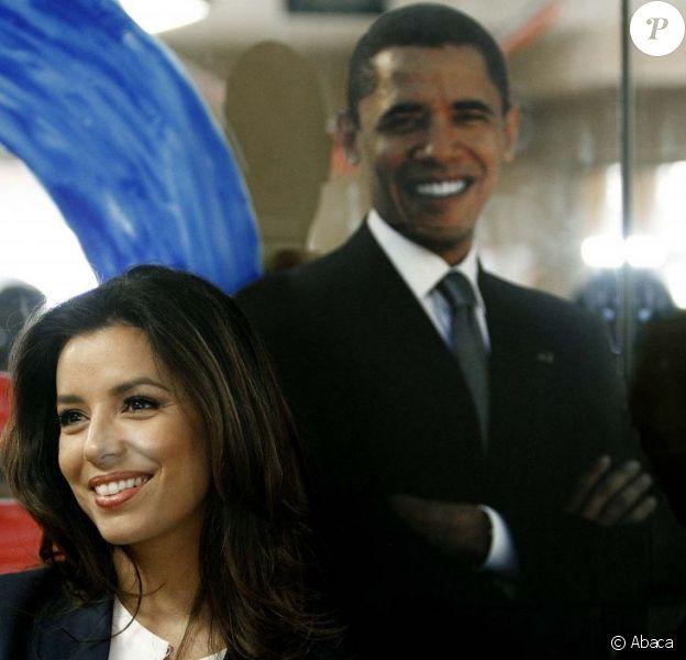 Eva Longoria visite un bureau de campagne de Barack Obama à West Palm Beach, le 27 octobre 2012.
