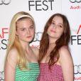Brune et blonde, Elle Fanning et Alice Englert au AFI Fest 2012  pour  Ginger and Rosa , le 7 novembre 2012.