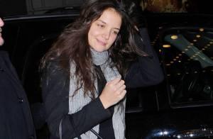 Katie Holmes brave le froid et embrasse de nouveau Broadway