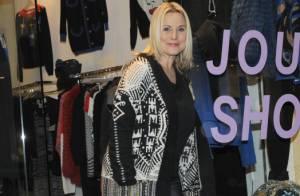 Sophie Favier, épanouie et complice avec sa fille dans sa jolie boutique