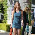 AnnaLynne McCord toujours aussi sexy et ses camarades Jessica Lowndes, Jessica Stroup et Shenae Grimes sur le tournage de 90210 à West Hollywood, le 12 novembre 2012 - Jessica Lowndes présente son nouveau chiot
