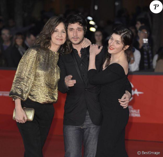 Valérie Lemercier, Jérémie Elkaïm et Valérie Donzelli pour la première du film Main dans la main lors du festival du film de Rome, le 10 novembre 2012.