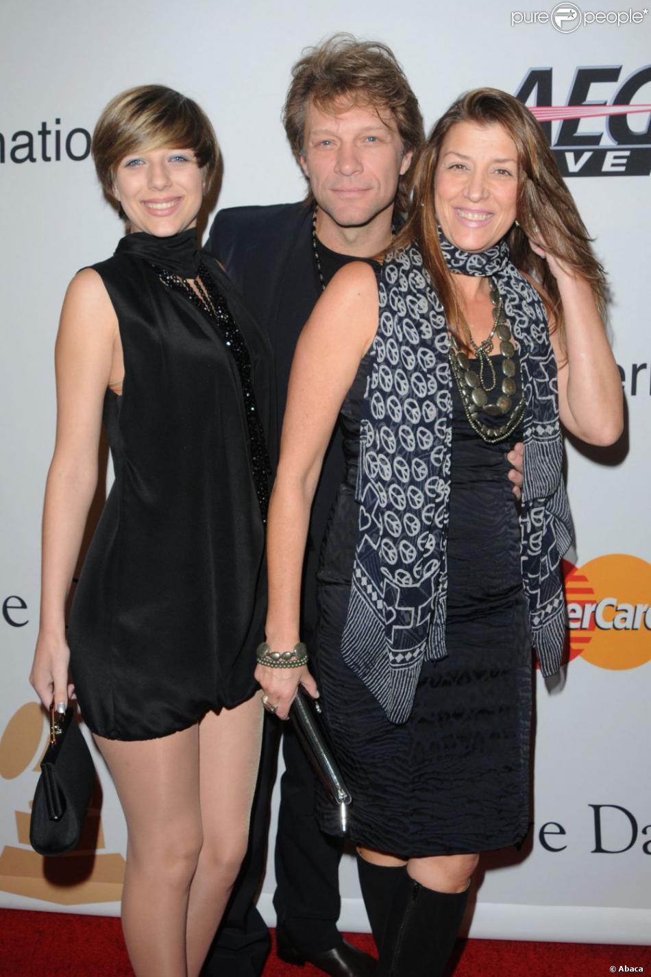 Jon Bon Jovi avec sa fille Stephanie et sa femme Dorothea à Beverly Hills le 30 janvier 2010.