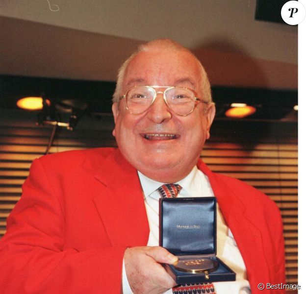 Maxim Saury reçoit le Prix de la Sacem en décembre 1997.