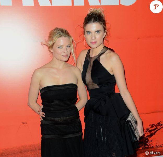 Mélanie Thierry et Cécile Cassel lors de l'avant-première du film Comme des frères à Paris le 15 novembre 2012