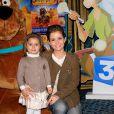Marie Inbona et sa fille Roxane lors de l'avant-première de Scooby Doo 2 aux Folies Bergère à Paris le 18 novembre 2012