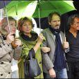 Danièle Thompson avec ses enfants Caroline et Christopher, ainsi que son compagnon Albert Kosky lors de l'inauguration de la place Gérard Oury à Paris le 22 juin 2011