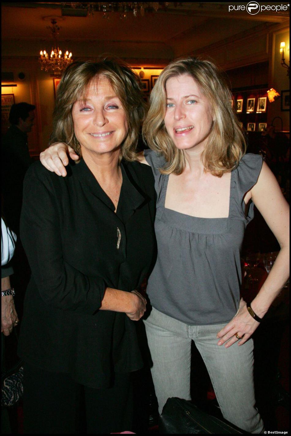 Danièle Thompson et sa fille Caroline le 4 mai 2006 à Paris