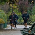 Le lendemain de sa rencontre avec le magistrat Jean-Michel Gentil, Nicolas Sarkozy a reçu Jean-Pierre Raffarin avant de partir faire un jogging au Parc Monceau. Le 23 novembre 2012 à Paris.