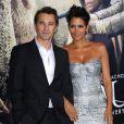 Halle Berry et son petit ami Olivier Martinez vont dejeuner au restaurant à Beverly Hills, le 21 novembre 2012.