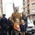 Felipe et Letizia d'Espagne, avec leurs filles Leonor et Sofia, visitaient le 25 novembre 2012 à l'hôpital Quiron San José de Madrid le roi Juan Carlos Ier après son arthroplastie à la hanche gauche.