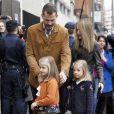 La famille royale d'Espagne rendait visite le 25 novembre 2012 à l'hôpital Quiron San José de Madrid le roi Juan Carlos Ier après son arthroplastie à la hanche gauche.