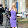 AnnaLynne McCord en pleine action sur le tournage de la série 90210 à Los Angeles, le 27 novembre 2012