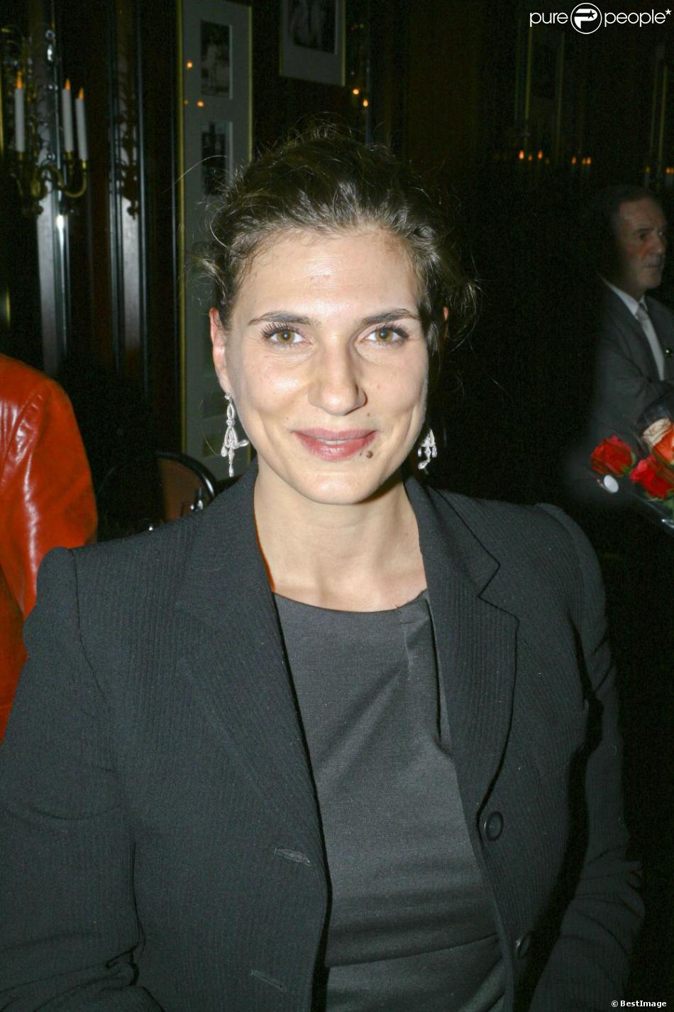 Emmanuelle Galabru lors de la soirée caritative au profit de l'association Soleil d'Enfance, au Fouquet's à Paris le 26 novembre 2012