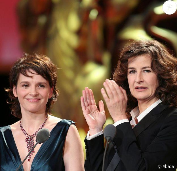 Juliette Binoche et Valérie Lemercier lors des César 2007
