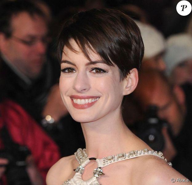 Anne Hathaway scintille lors de la première londonienne du film Les Misérables, le 5 décembre 2012.