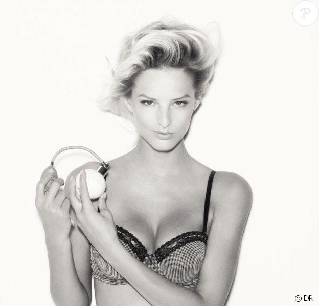 Michaela Kocianova, une ambassadrice de charme pour la collection lingerie de SUITEBLANCO.