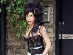 PHOTOS : Amy Winehouse est finalement hospitalisée à domicile...