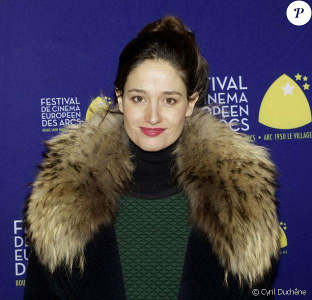 Marie Gillain au photocall de la cérémonie d'ouverture du Festival du cinéma européen aux Arcs, le 15 décembre 2012.