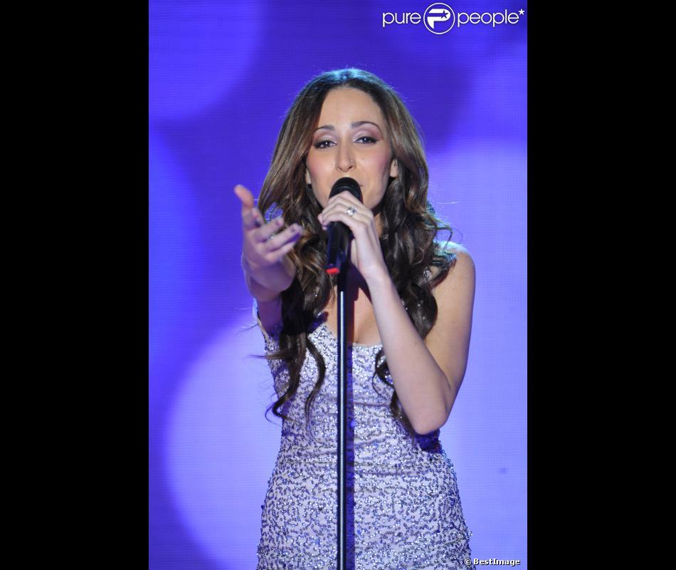 Kenza Farah durant l'enregistrement de l'émission Vivement Dimanche, diffusée sur France 2, le 29 août 2012 à Paris.