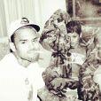 """""""Chris Brown postait sur sa page Instagram il y a plusieurs semaines cette photo de Rihanna et lui dans une chambre d'hôtel."""""""