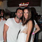 Alessandra Ambrosio : Nouvel An sexy et endiablé avec son fiancé