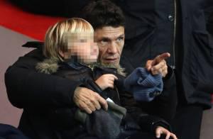 Marc Lavoine : Un papa très câlin avec son fils, jeune supporter du PSG