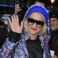 La chanteuse Rita Ora arrive aux studios de la BBC Radio 2 à Londres. Le 19 novembre 2012.