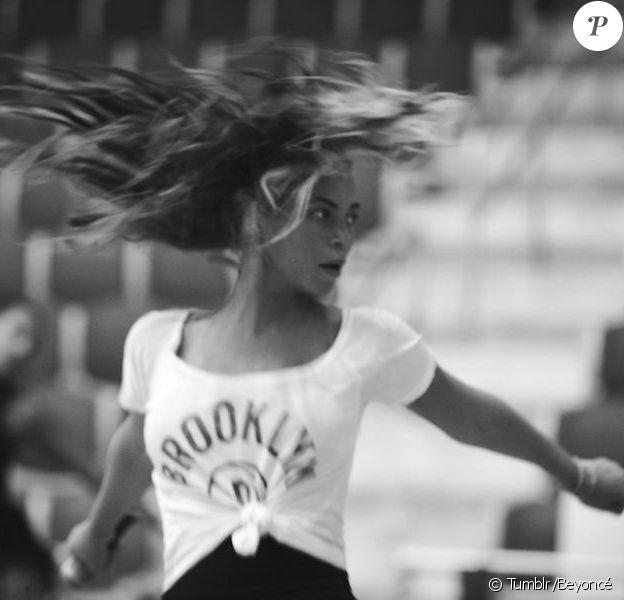 Beyoncé a publié plusieurs clichés des répétitions de son show du Superbowl qui se tiendra le 3 février prochain.