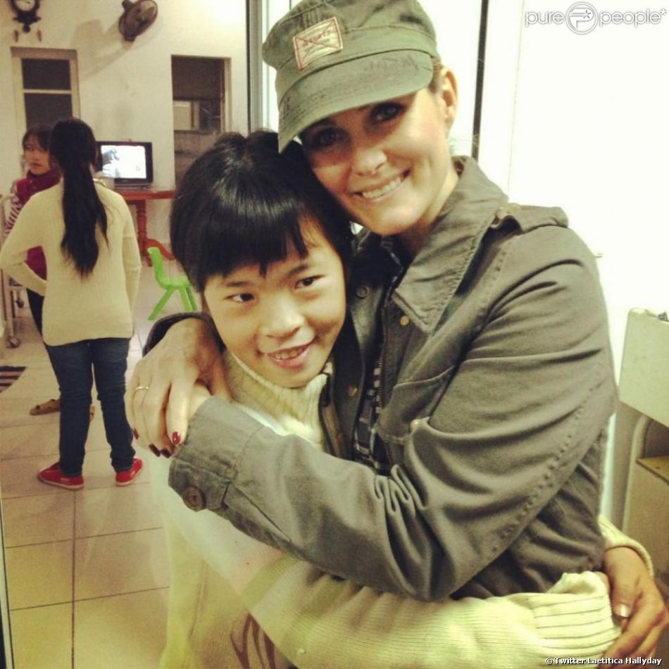 Twitter de Laeticia Hallyday - Toute ma gratitude à Linh qui fait un travail admirable à l'orphelinat de #BacGiang #LaBonneEtoile #education