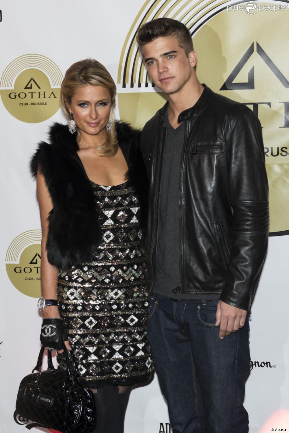 Paris Hilton et River Viiperi en soirée au Gotha Club à Bruxelles. Le 1er février 2013.
