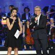 Le duo Laurent Ruquier et Virginie Guilhaume présentait la 28e cérémonie des Victoires de la Musique à Paris, le 8 février 2013.