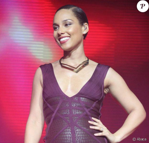 Alicia Keys lors du concert TRANS4M à Los Angeles, le 7 février 2013.