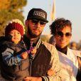 Alicia Keys et son mari Swizz Beatz se promènent à Cannes avec leur fils Egypt le 28 janvier 2013.